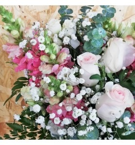Ramo de Rosas Amor Quente